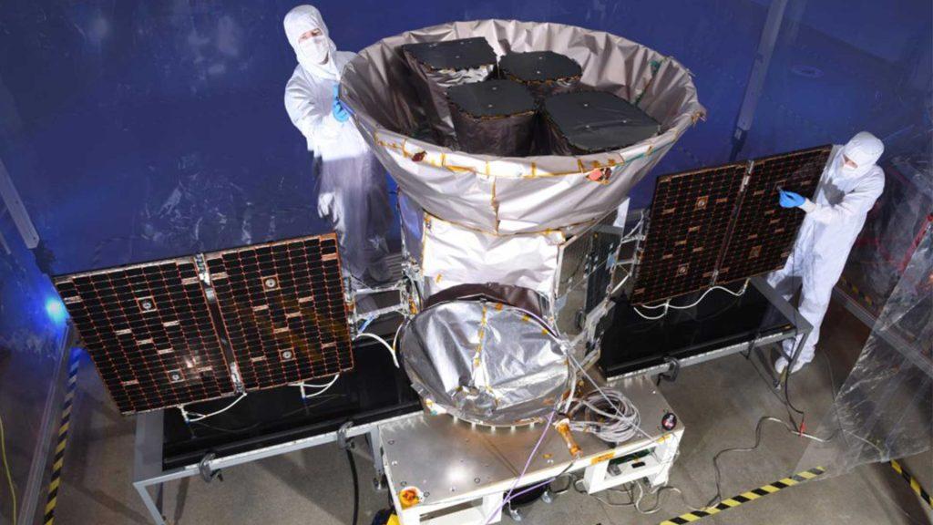 Weltraumteleskop TESS bei der Konstruktion.