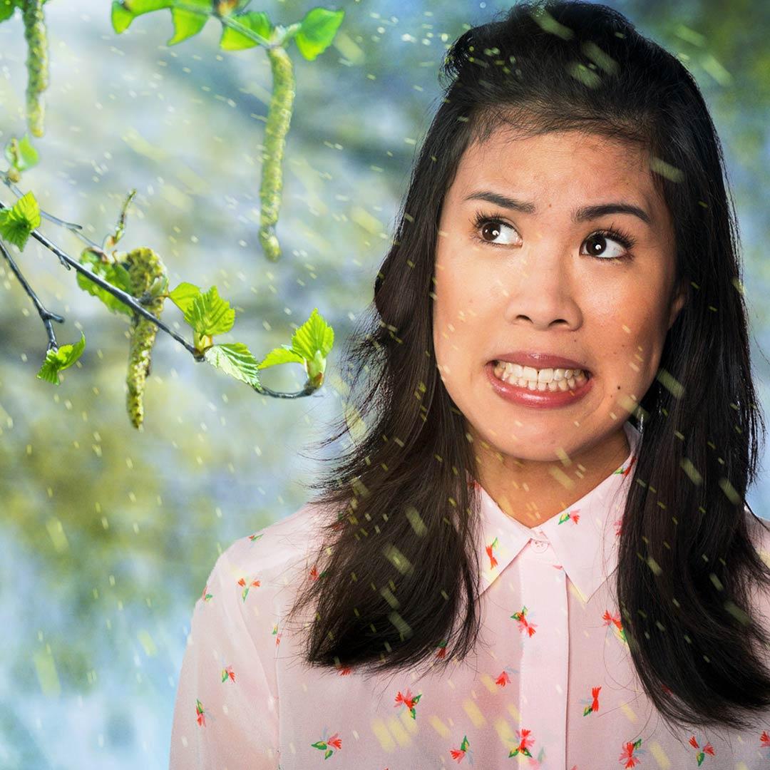 Mai Thi Nguyen-Kim wird von Blütenpollen umschwirrt