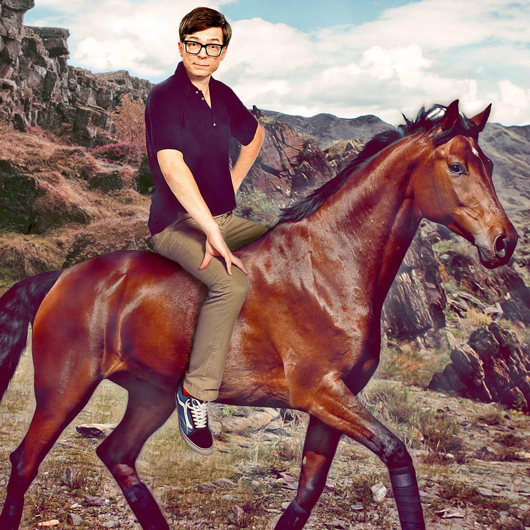 Montage: Ralph Caspers auf einem Pferd