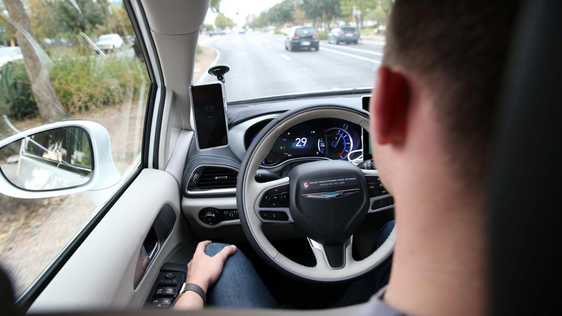 Autonomes Fahren in Level 3: Das Auto fährt alleine, der Fahrer muss aber bereit sein, einzugreifen | Foto: REUTERS