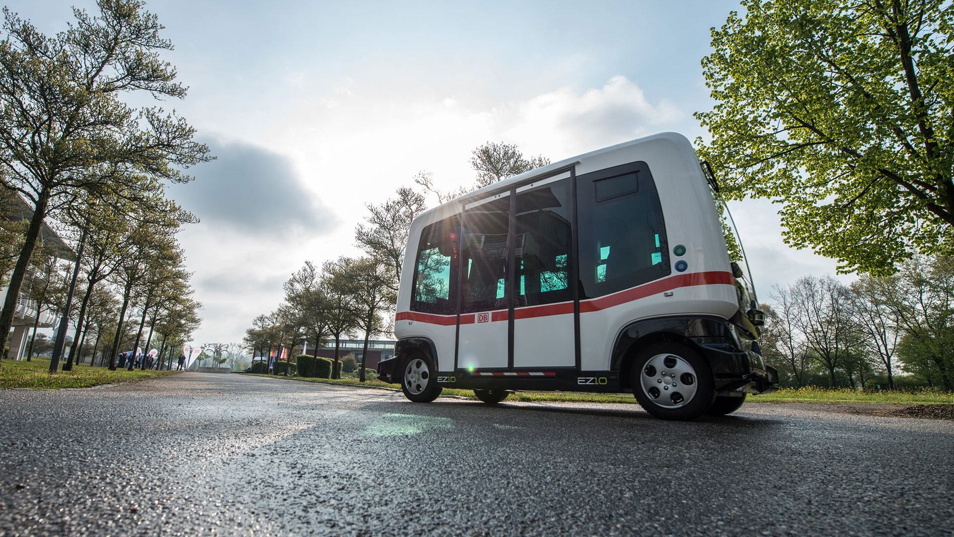 Ein autonom fahrender Bus in Bad Birnbach (Bayern) auf einer Teststrecke